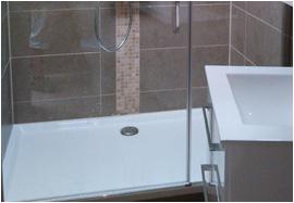 Pose du receveur le groupe de r novation votre bras droit for Installation bac a douche